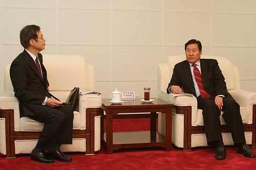 2月20日,国家安全监管总局副局长,国家煤矿安监局局长赵铁锤在京会见